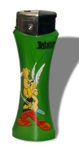 Asterix & Obelix Tischfeuerzeug Gigant grün mit integriertem Flaschenöffner